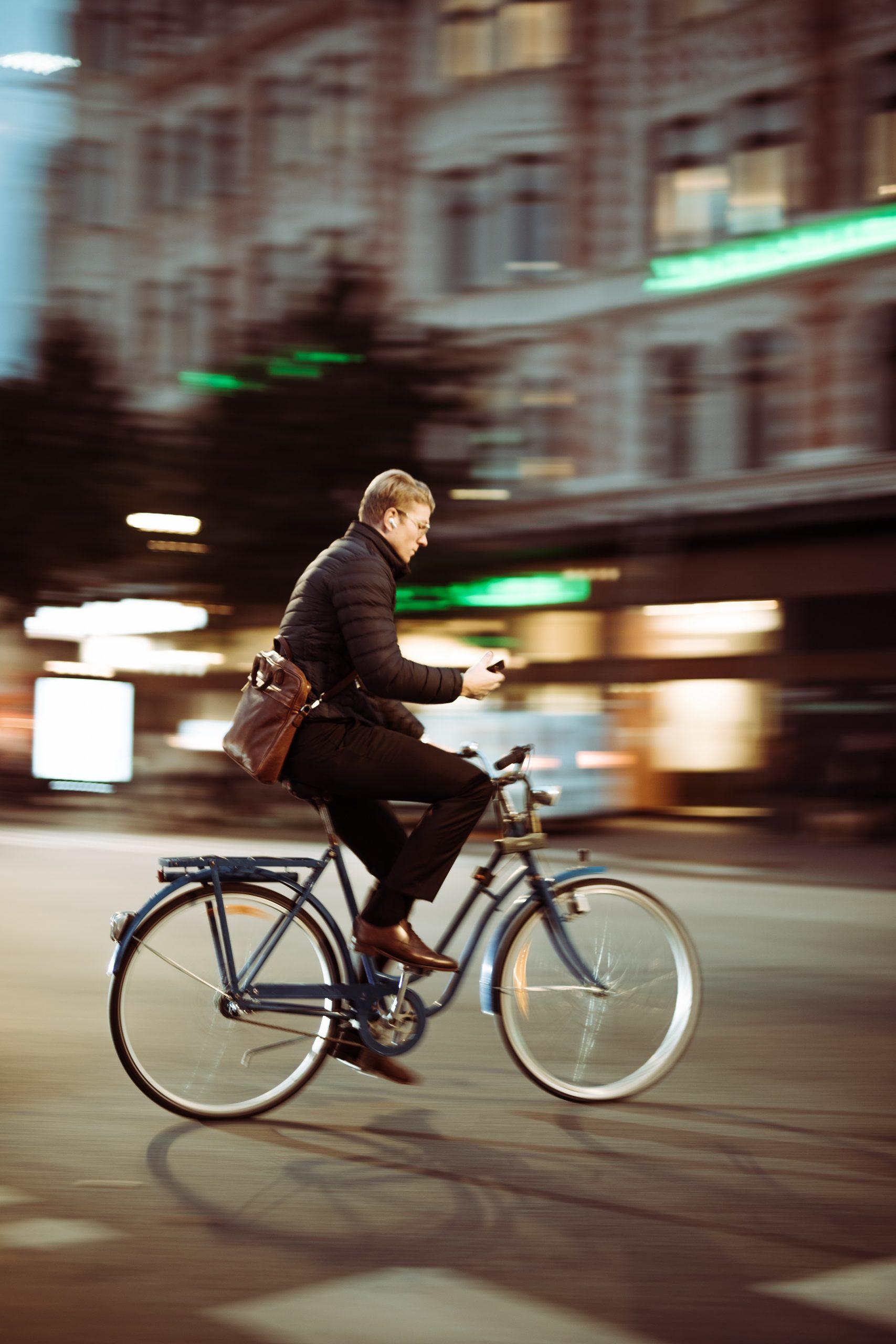 Vélo urbain Bike and repair réparation